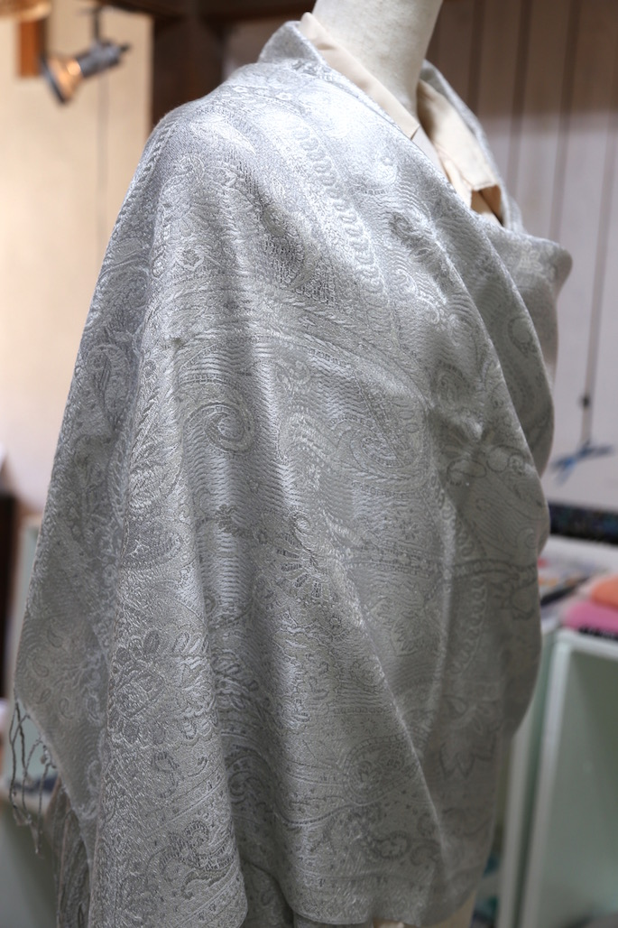 advantage-of-a-silk-stole-the-fault-and-utilization-method